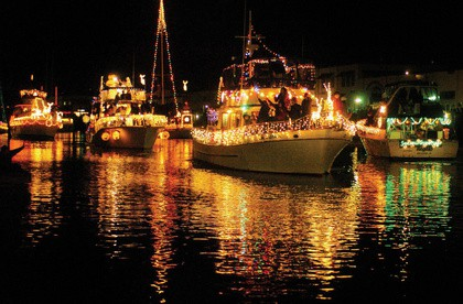 lighted-ship-parade-victoria-bc-2