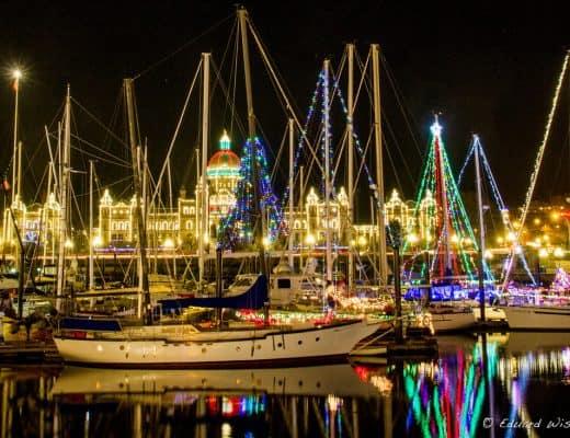 victoria-bc-harbour-christmas